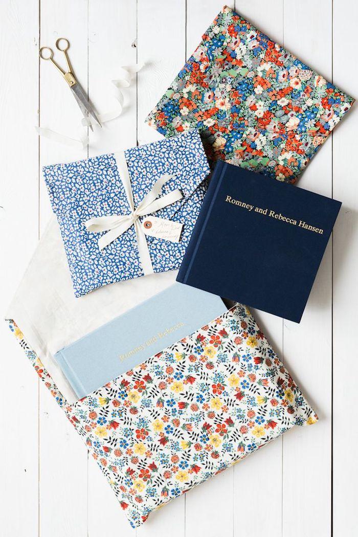 Geschenke in Briefumschläge verpacken mit Blumenmustern - Briefumschläge basteln