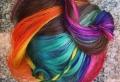 Bunte Haare: grelle Regenbogen-, zarte Pastell- oder leicht ineinander verlaufende Farben – die Entscheidung treffen Sie!