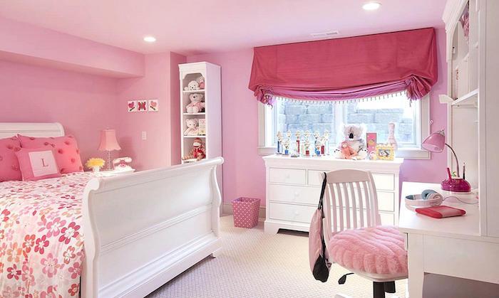 jugendzimmer ideen rosa gestaltung ideen rosamöbel doppelbett mit blumenmuster vorhänge ideen schreibtisch mit stuhl flauschiges design