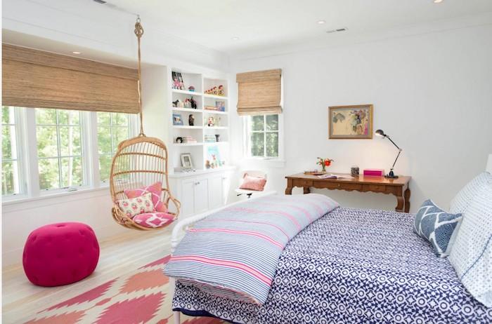 kinderzimmer komplett einrichten hängestuhl doppelbett hocker zyklame bodenkissen teppich in rosa und orange