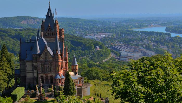 günstige reiseziele das schloss auf dem hügel über die stadt bonn auf jeden fall besuchen must see sehenswürdigkeiten in deutschland