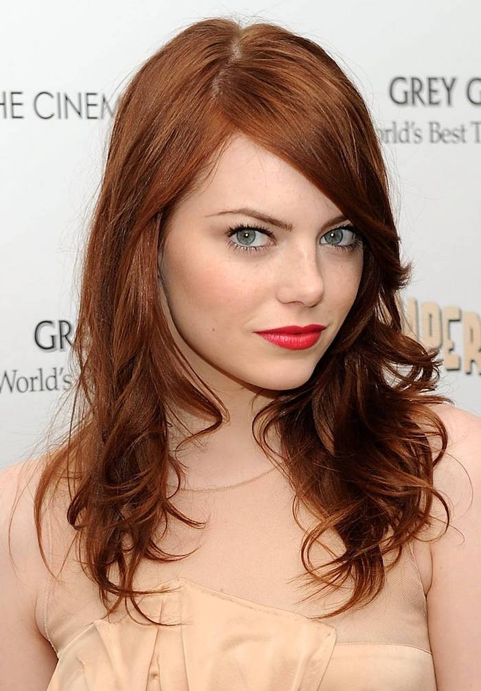 Dark blond hair for a perfect look