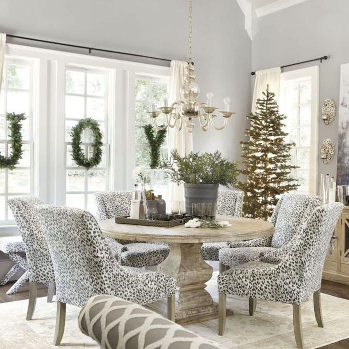 fensterdeko basteln freude am fenster schreiben und das haus in weißer farbe und glitzer dekorieren frisches flair in der wohnung