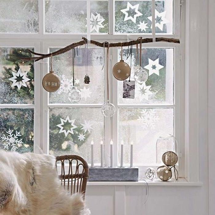weihnachtliche deko weiße fensterdeko led kerzen am fenster schöne ideen zum verzieren und genießen