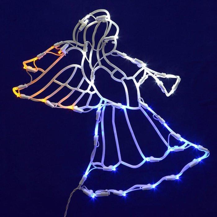 weihnachtliche deko engel led licht leuchtende deko in verschiedenen farben blaue wand deko ideen