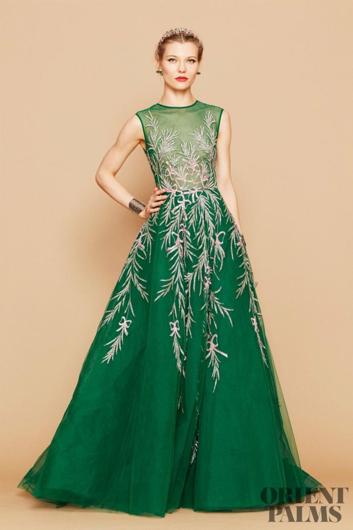 Dunkelgrünes Abendkleid mit Spitzen-Oberteil und weitem bodenlangem Rock, elegantes Outfit für Weihnachten und Silvester