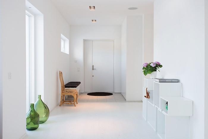 sitzbank flur wei sitzbank weiss mit lehne weis aldi sitzbanke holz schweiz flur gartenbanke. Black Bedroom Furniture Sets. Home Design Ideas