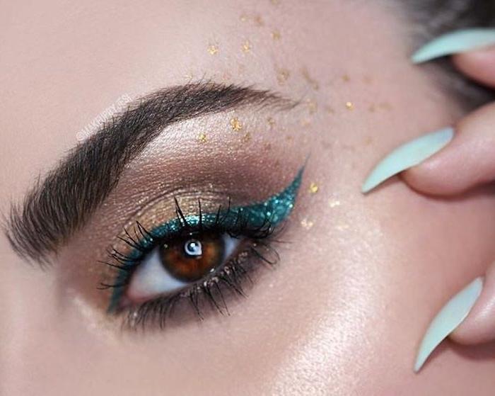 geschminkte augen, make-up für braune augen, blauer lidstrich