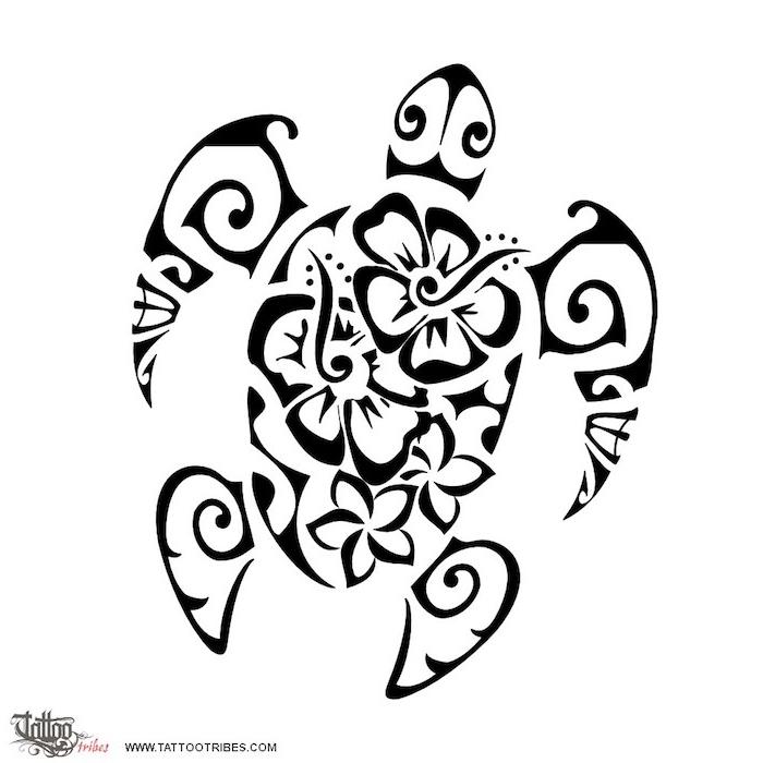 eine große schwarze scildkröte mit einigen weißen und schwarzen großen blumen und schwarzen augen - idee für einen schwarzen maori tattoo