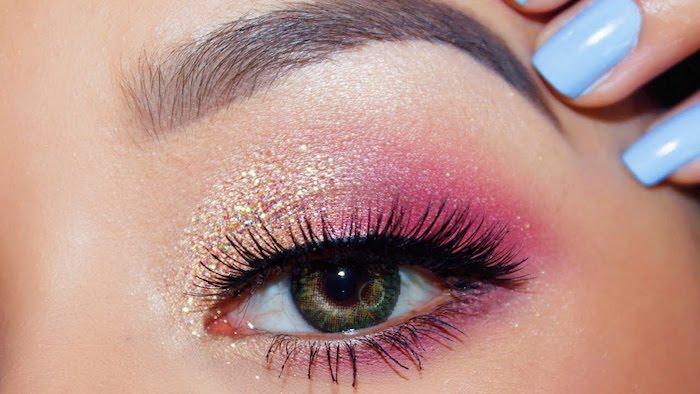 grüne augen betonen, festliches make-up in rose-gold, glitzer
