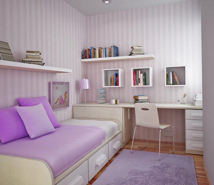 jugendzimmer gestalten gelb und weiß rosa und weiß streifen an der wand schreibtisch bett kleines mädchenzimmer einrichten