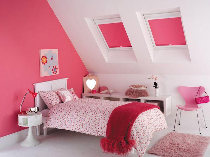 zimmer ideen für mansarde kinderzimmer mit dachschräge weiß-rosa und gepunktete muster ideen mädchenhaft