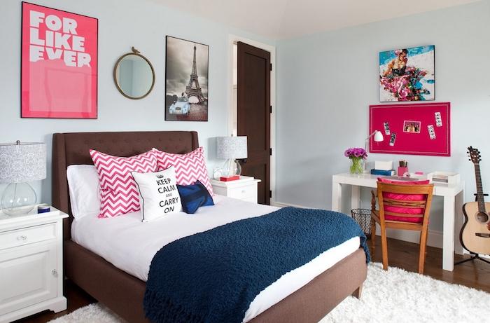 jugendzimmer schön einrichten frische atmosphäre im zimmer dank viel licht und bunte deko elementen kissen wanddeko frische blumen