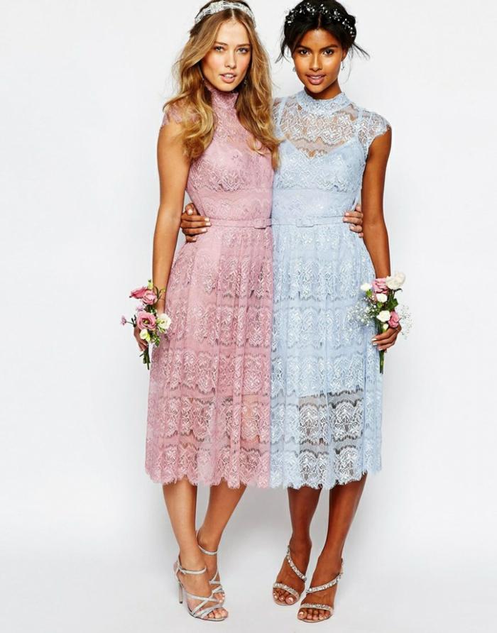 Spitzenkleider in zarten Pastelltönen, Brautjungfernkleider in Rosa und Hellblau, silberne High Heels