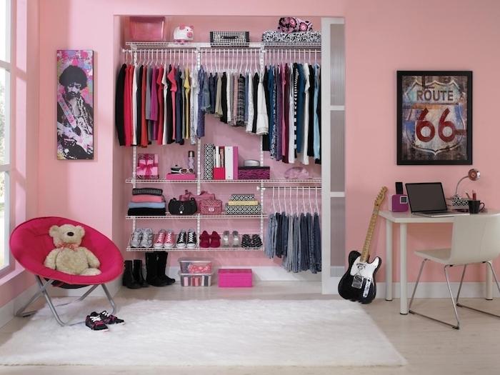 jugendzimmer komplett in rosa einrichten möbel ideen kleiderschrank wanddeko schreibtisch sessel kuscheltier