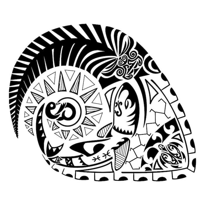 ein schwarzer maorie tattoo mit einem großen langen schwarzen horn - ein fisch und eine kleine schwarze schildkröte