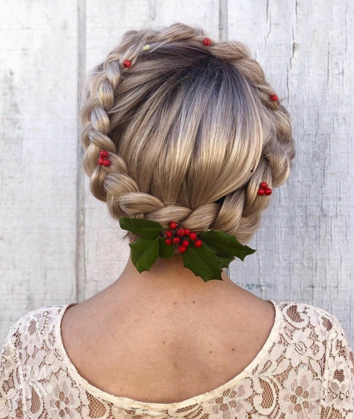 mittellange haarschnitte frisur 2020 festliche frisur weihnachten haarkranz mit grünen blättern