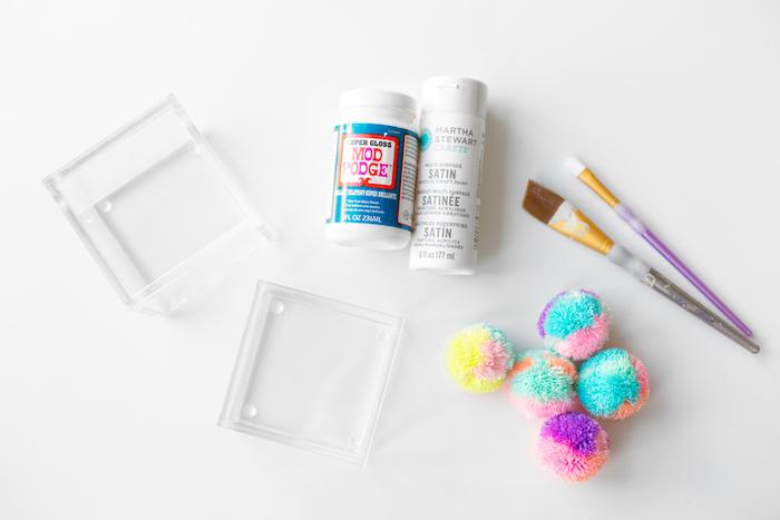 Schachteln basteln - alles Nützliches um ein Pompom Schachtel selber zu machen