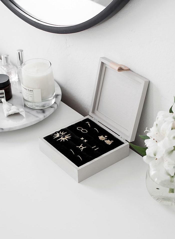 Kiste basteln - eine selbstgemachten Schachtel für Schmuckstücke, ganz schön