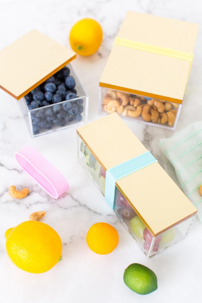 Schachteln falten - kleine Schachteln für Nüsse mit kleinen Deckchen aus Holz