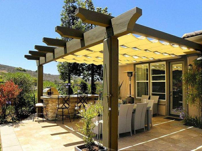pergola oder terrassen berdachung selber bauen genie en sie einen k hlen sommer. Black Bedroom Furniture Sets. Home Design Ideas