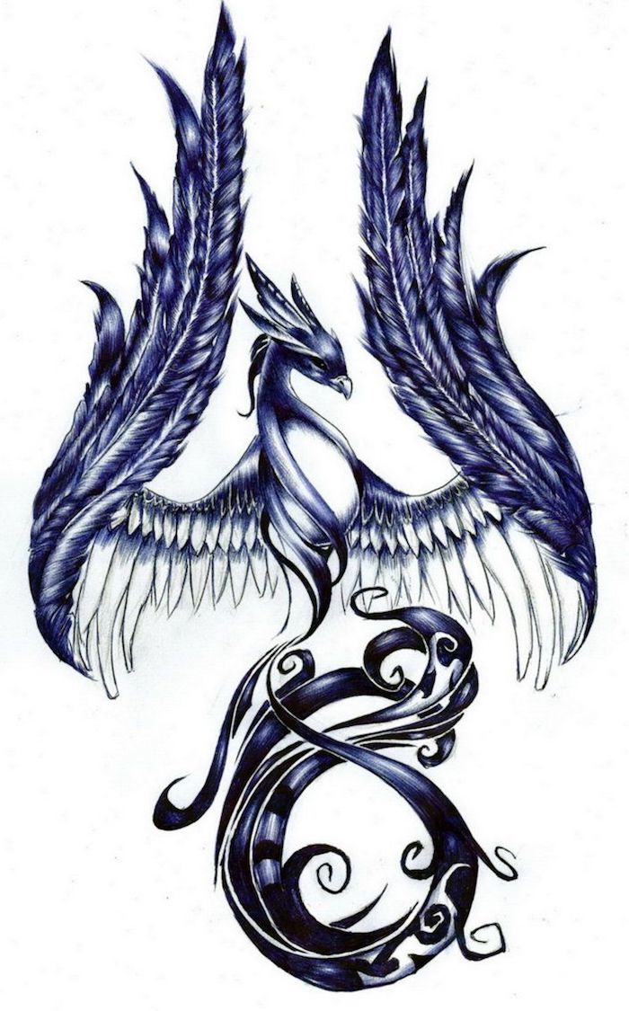 eine skizze mit einem tattoo mit einem fliegenden violetten phönix mit zwei großen langen flügeln mit violetten, weißen und schwarzen federn