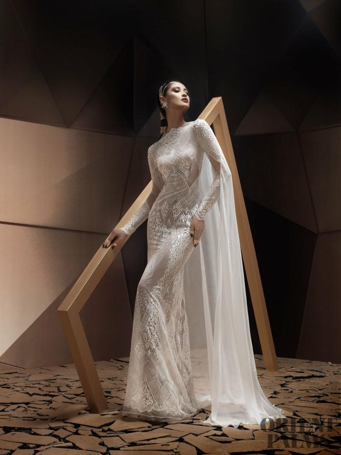 Weißes Spitzenkleid mit langen Ärmeln, elegantes Brautkleid mit Schleier, Outfit für besondere Fälle