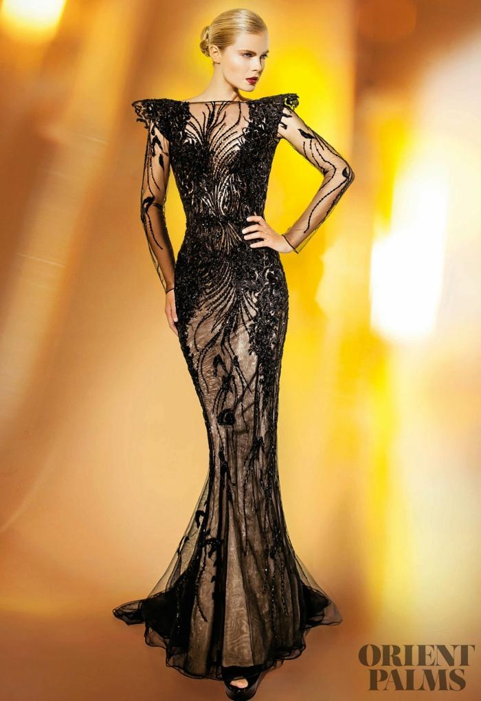 Schwarzes Spitzenkleid mit langen Ärmeln, Meerjungfrau-Kleid mit Perlen verziert, elegantes Outfit für besondere Fälle