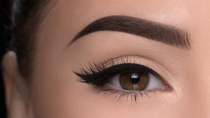 schmink tipps, alltags make-up, augenbrauen betonen, lidstrich auftragen