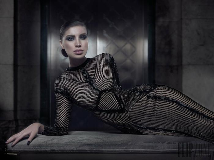Schwarzes Glitzerkleid mit langen Ärmeln, elegantes Outfit für Weihnachten und Silvester