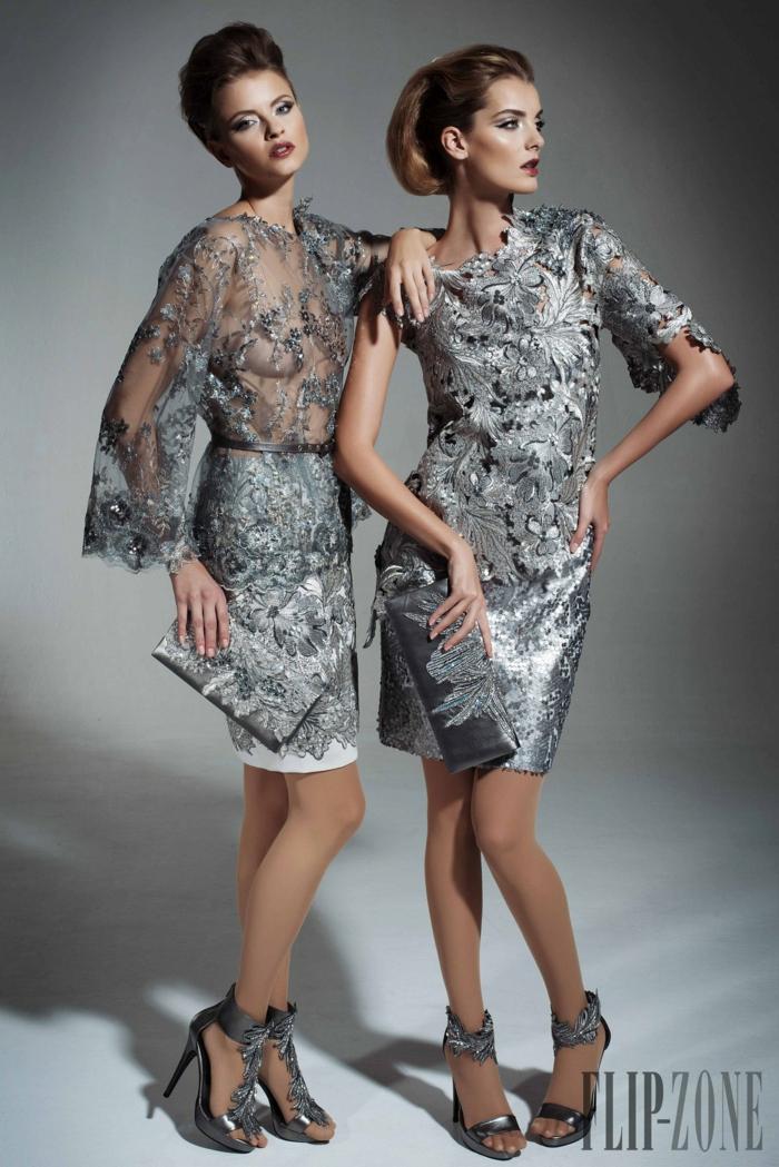 Knielange Cocktailkleider in Silbern mit Blumenmuster, Ideen für elegantes Silvester Outfit