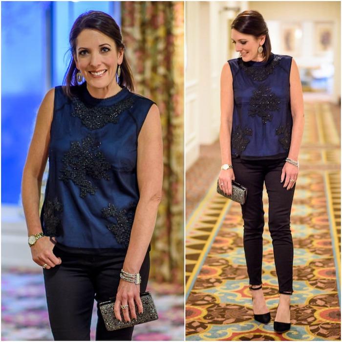 outfit weihnachten schwarz und blau kombination idee elegant feine stoffe seide und satin blaue farbe