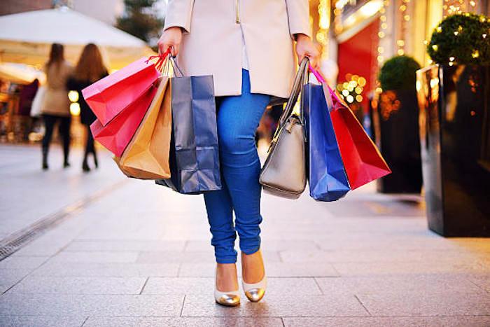 spartipps für weihnachten, geschenke frühzeitig kaufen, shoppen