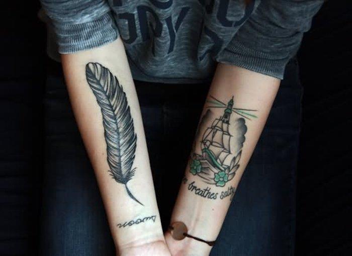 federn tattoo, schwarz-graue tätowierungen an den ärmen