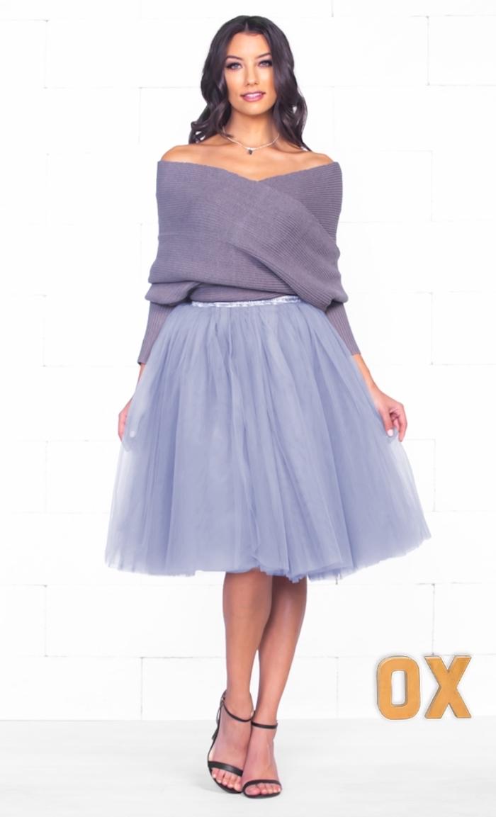tutu kaufen lila outfit schöne idee sandalen haare lockig gestalten pulli rock necklace kette mit anhänger