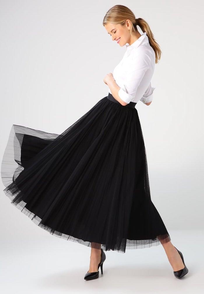 boho stil schwarz weißes outfit für damen mit stil ideen zum gestalten selber solch einen look schaffen