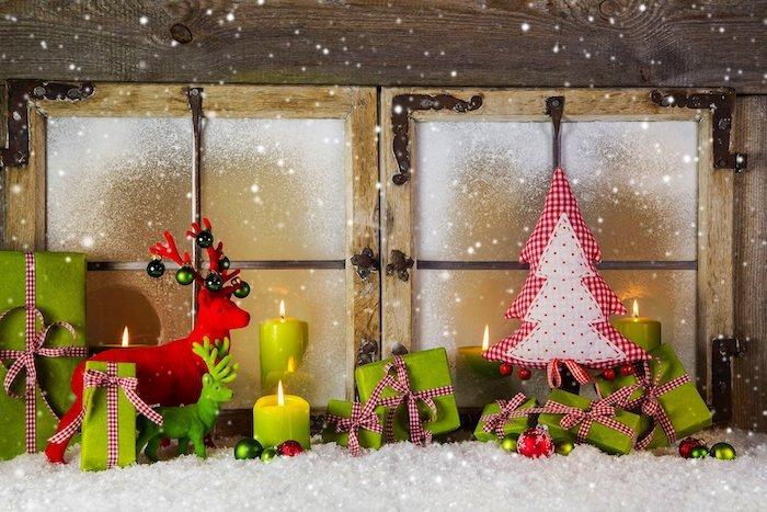 fenster beleuchtung mithilfe von kerzen kerzendeko ideen grün und rot weiß geschenke kuscheltiere u.a.
