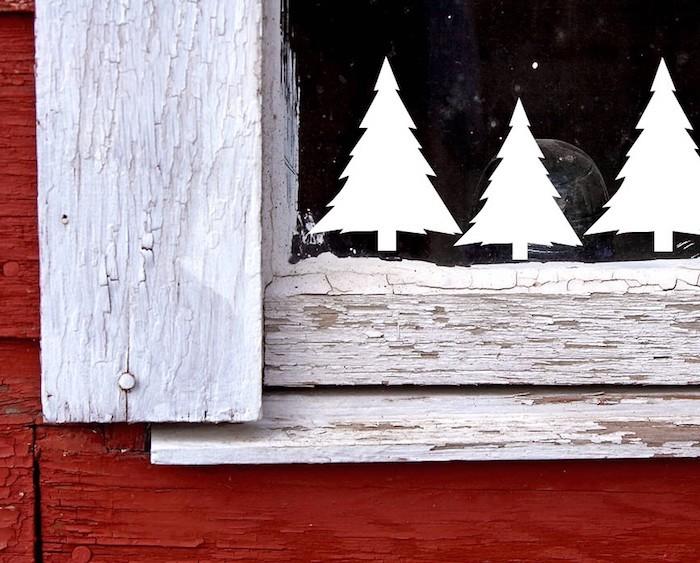 fenster deko ideen in weiß weise sticker für fenster fenstertattoo weiße tannenbäume