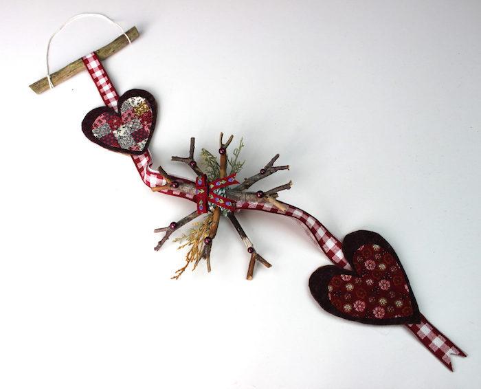 fensterschmuck weihnachten weihnachtliche idee herzchen dekorationen schneeflocke aus holz selber machen