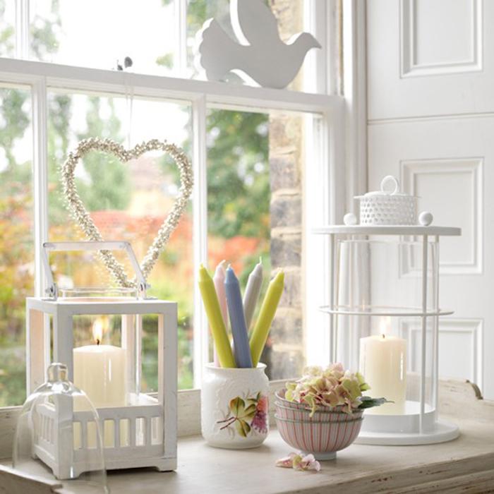 fenster deko weiße zimmer einrichtung und deko die typischen farben für den winter dekoideen