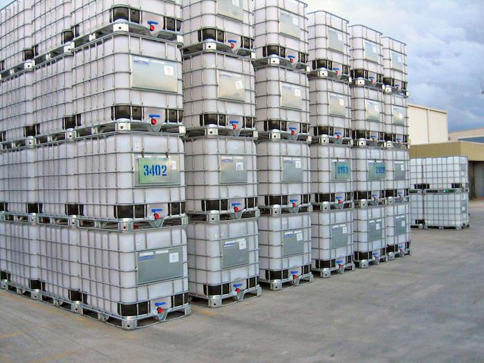 ibc container, intermediate bulk container stapeln, großpackmittel aus kunststoff und metall