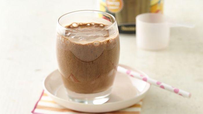 shakes zum zunehmen selber machen, eiweißgetränk aus natürlichen zutaten