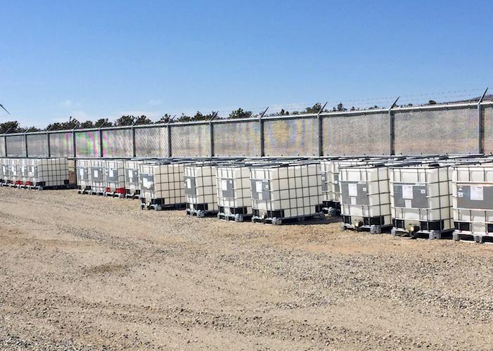 ibc container zur lagerung und transport flüssiger und rieselfähiger stoffe, großpackmittel aus kunststoff und metall