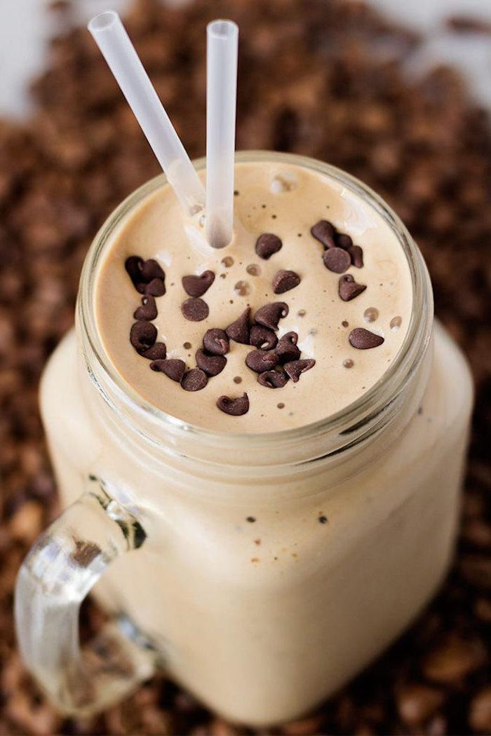 eiweißshake mit erdnussbutter und kakao selber machen, protein shake