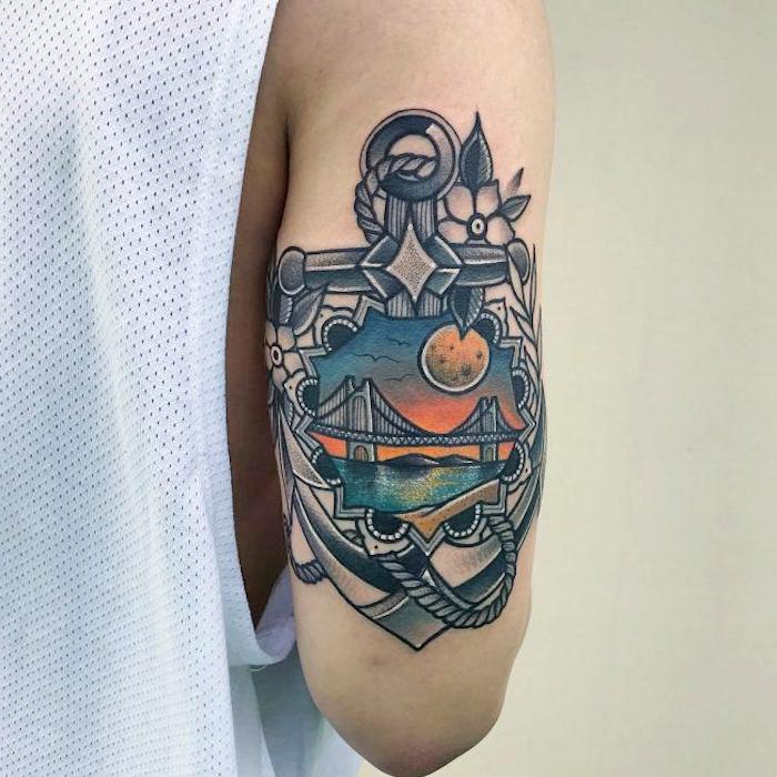 tattoo anker, große tätowierung am oberarm, tätowierungen mit maritinem motiv