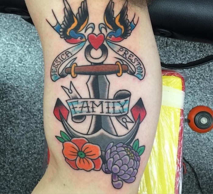 anker mit herz, vögeln und blumen, maritimes tattoo-motiv