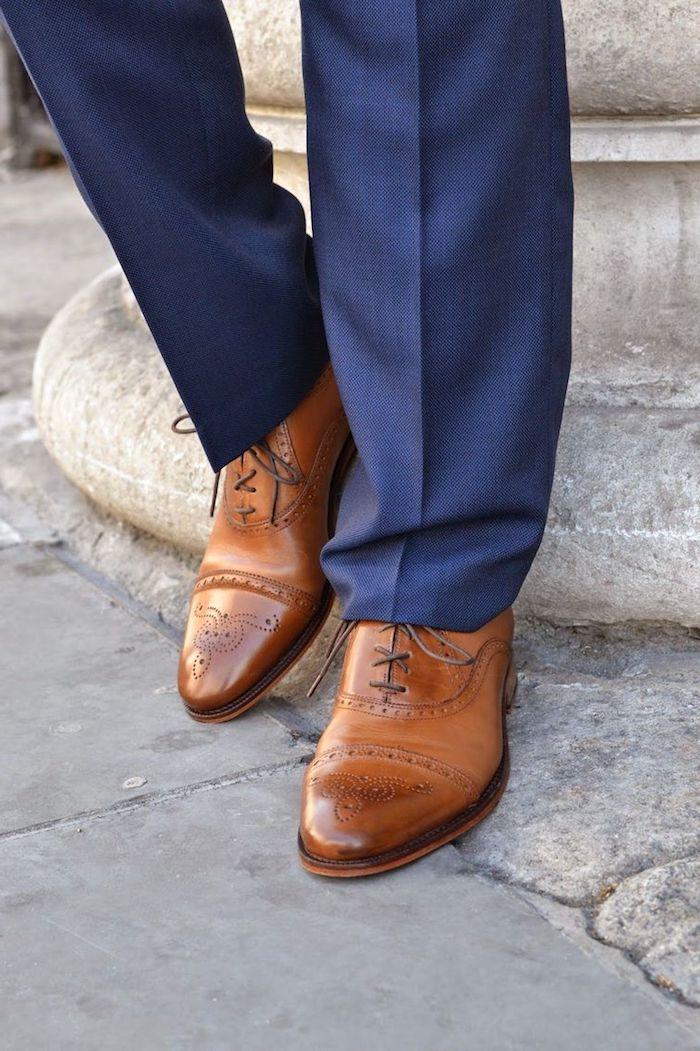 blauer anzug braune schuhe ideen zum stylen und cool tragen elegante männerstil ideen glänzende schuhe anzug bügeln