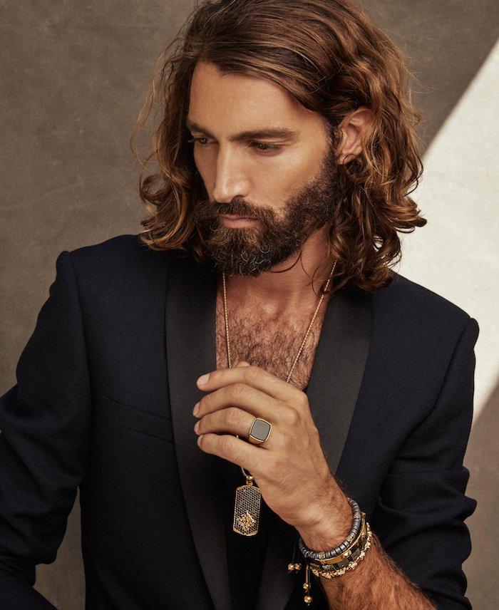 männer mit bart blonder mann mit bart ideen zum stylen lange haare schmuck für männer ideen kette ring armband