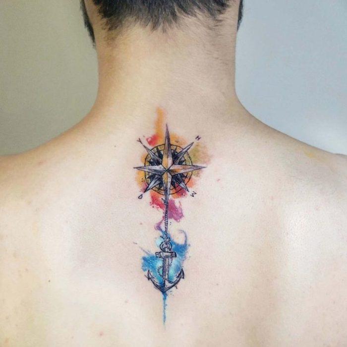 bedeutung anker, mann mit wasserfarben tattoo am rücken
