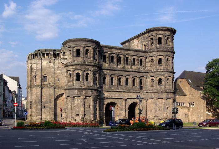 schönste urlaubsziele in deutschland porta nigra römische reste in deutschland trier kleine stadt mit großer geschichte
